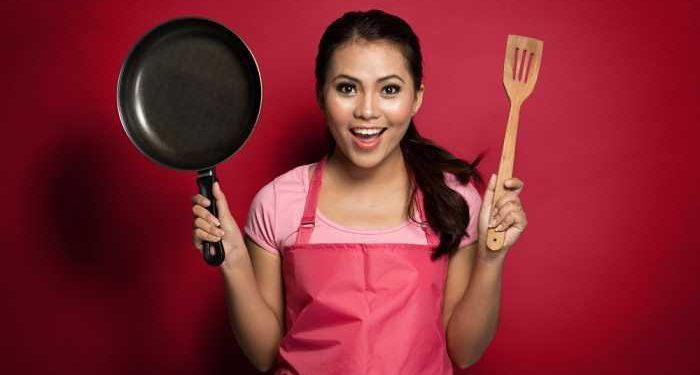 cuoca con utensile