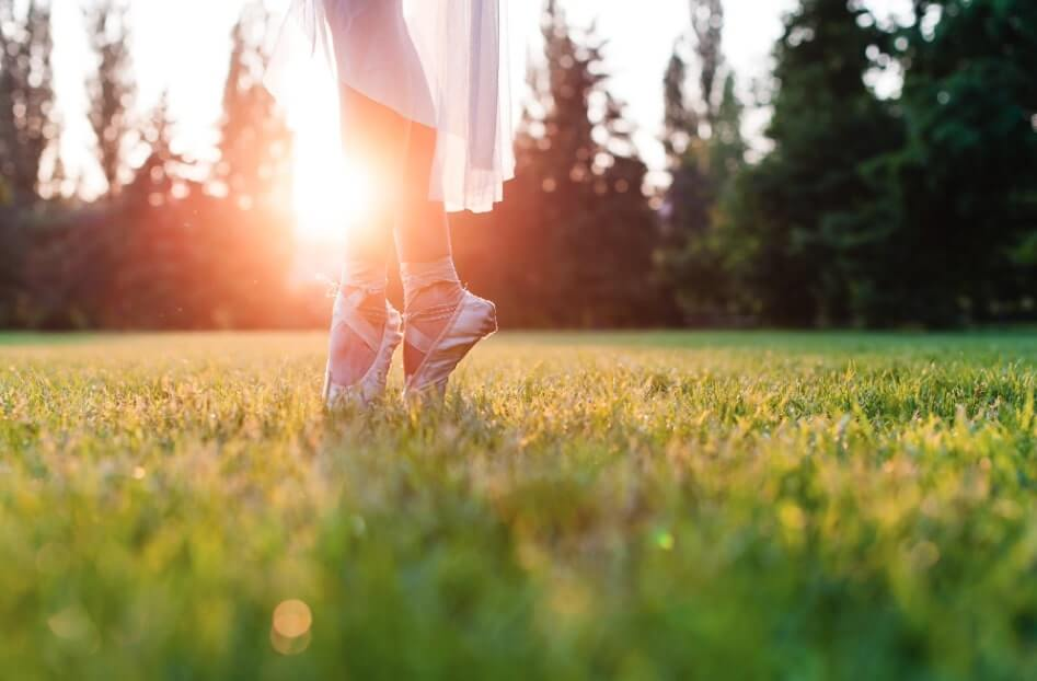 rimuovere macchie erba scarpe