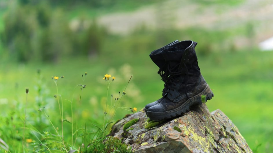pulire scarpe di cuoio
