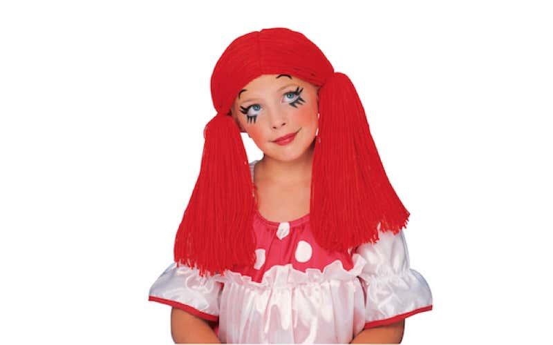 Bambina truccata da bambola