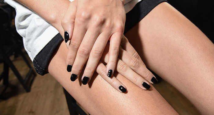unghie curate belle gambe