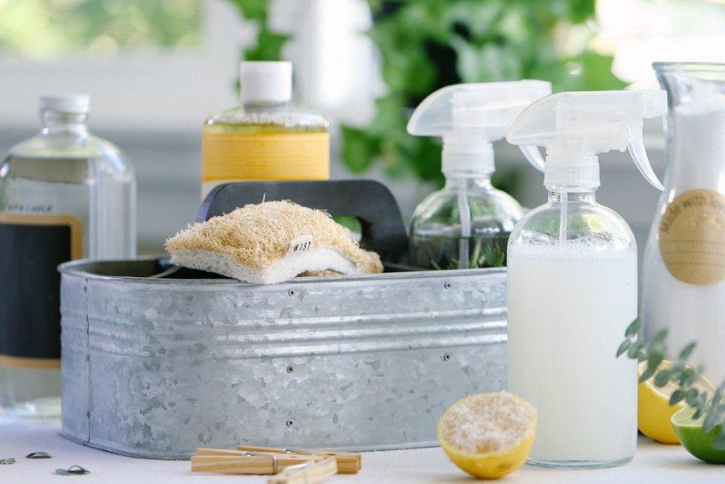 Idee naturali per pulire casa