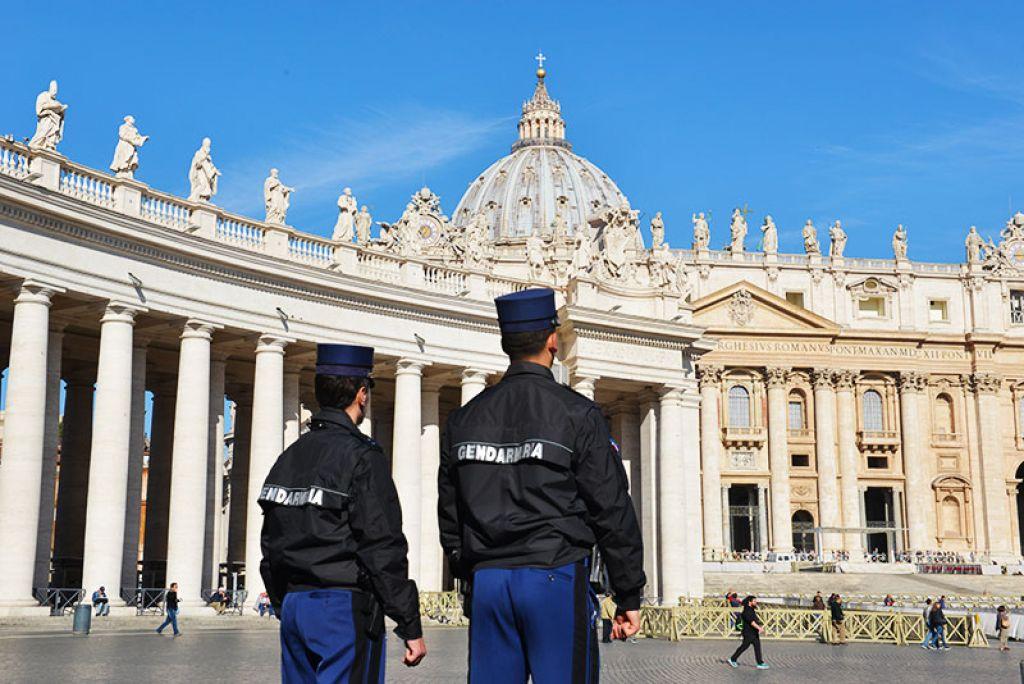 la storia della polizia vaticana