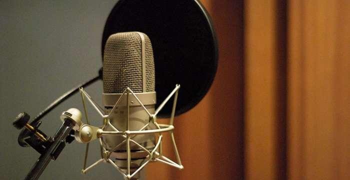 microfono per doppiaggio e podcasting