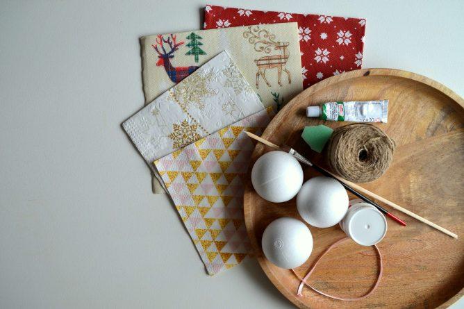 creare palline di natale per bambini