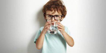 perchè bere tanta acqua fa bene