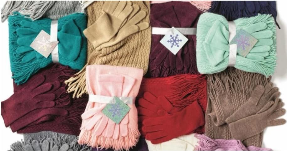 Set guanti e sciarpa natale