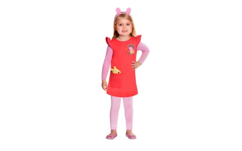 Bambina vestita da peppa pig