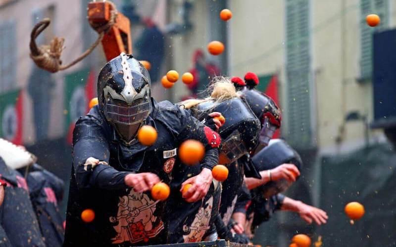 Battaglie arance ivrea carri