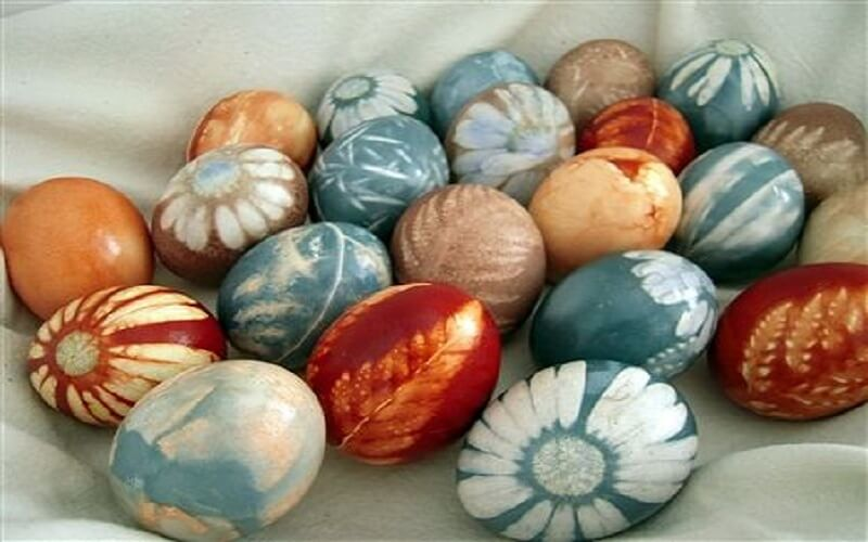 Uova decorate pasqua fiori