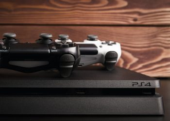 PlayStation 4 con controller